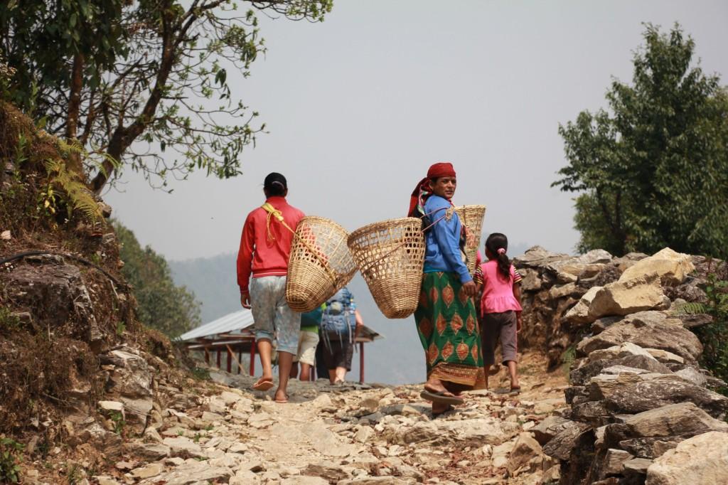 Najmenej 38 Tibeťanov zatkli vo štvrtok nepálske úrady pre.